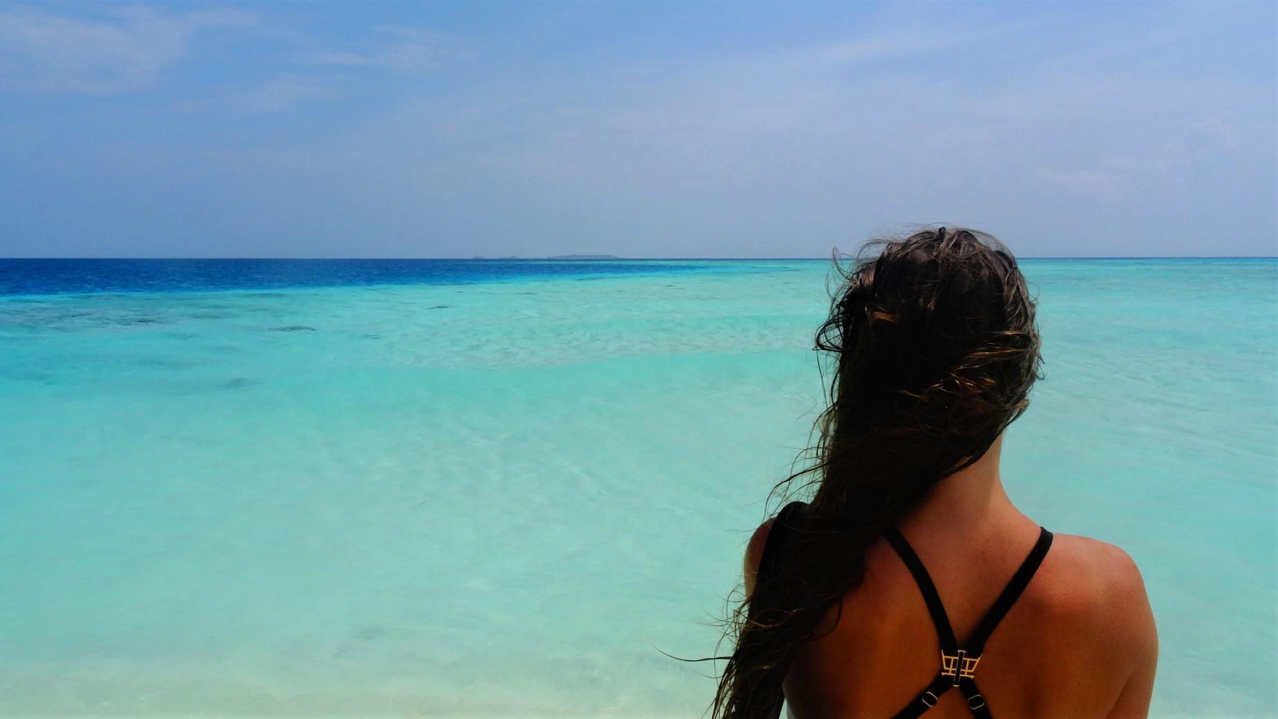 Zee en strand in de Malediven
